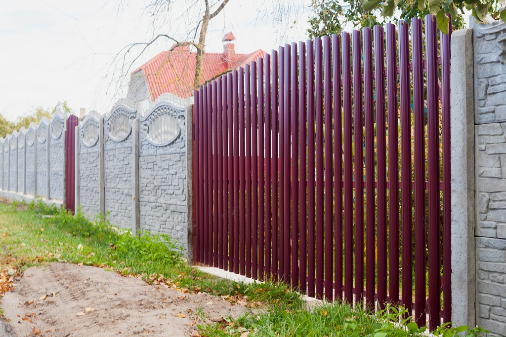 распашные ворота на даче
